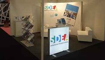 Slimline Exhibition Light Box Counter